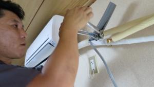 冷媒ガスケーブルのフレア加工とジョイント接続