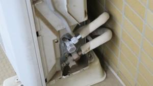 経年劣化による配管亀裂や冷媒機関の不調